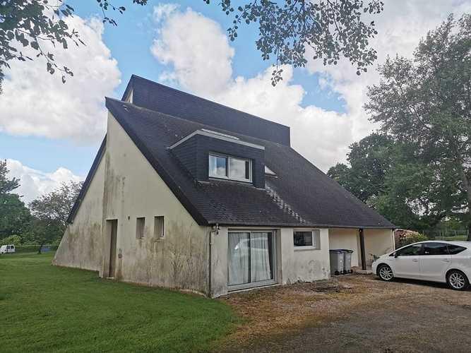 Rénovation complète d''une toiture et d''une façade 09b08a862-ca90-477a-8b3d-331394b61ae3