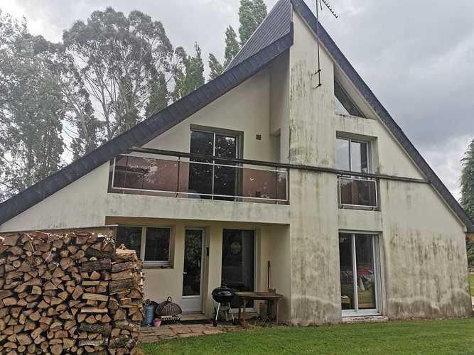 Rénovation complète d''une toiture et d''une façade c3dc34d4-d32e-414f-a5f0-334637964f5f